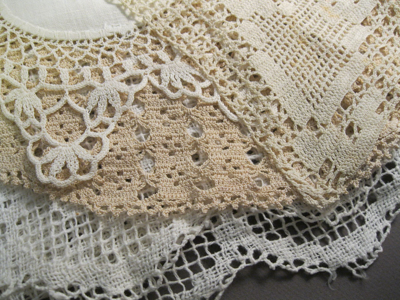 4 Vintage Lace Doilies And Table Runners Off White Fine