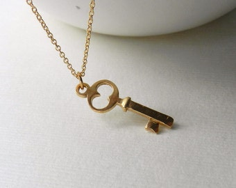 Tiny key necklace in gold vermeil, delicate modern jewelry