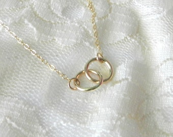 Linked circle necklace in gold, vow, modern delicate jewelry