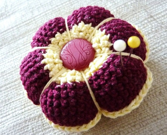 Crochet Flower Pincushion Pattern : Pattern for crochet pincushion INSTANT DOWNLOAD