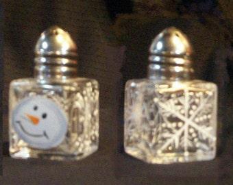 Snowman Head Salt and Pepper Shakers Snow Head Salt & Pepper Shakers Hand-painted by Lisa Hayward