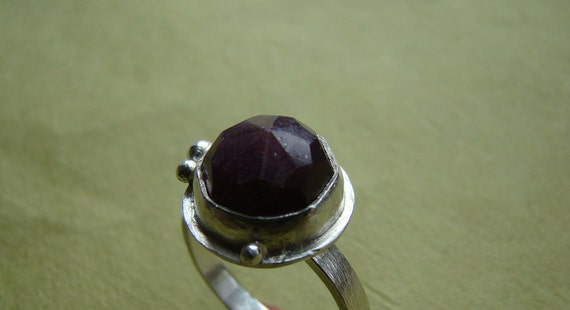 Rough Ruby Ring - Large natural rose cut ruby - Size 7
