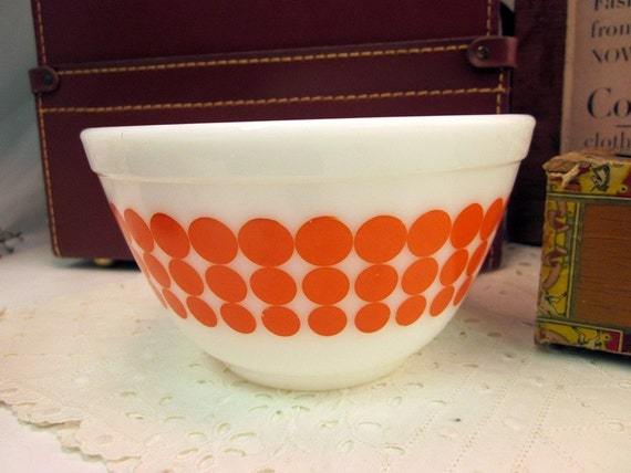 Vintage Pyrex Mixing Bowl - Bright Orange Dots - 1 1/2 Pint