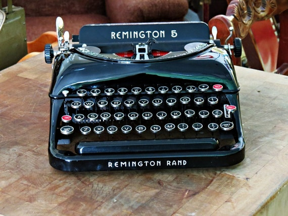 RESERVED for MARDI Remington 5 Typewriter Streamlined Design - Art Deco Fully Refurbed