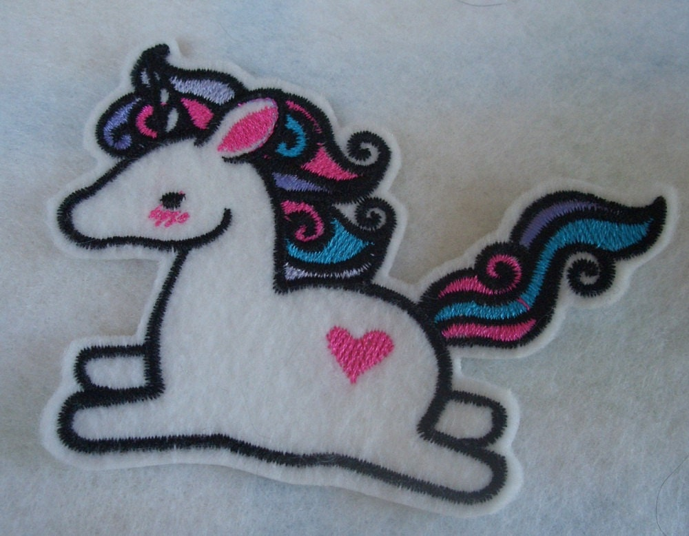 Cute little unicorn embroidered iron on patch