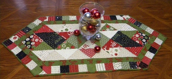 Countdown to Christmas HANDMADE Quilted Table Runner