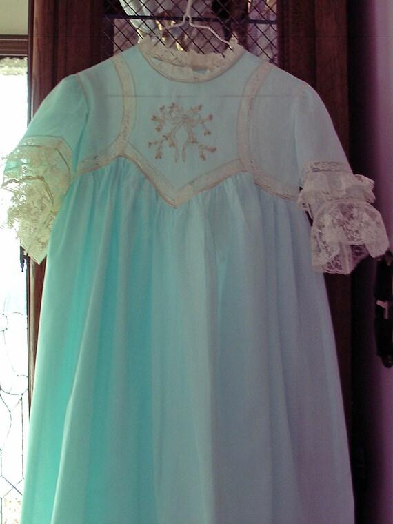 New Heirloom Handmade party dress Seafoam green  ecru French lace Size 5