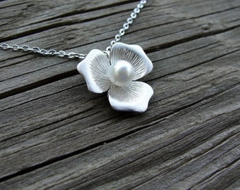 Pretty Petals Necklace - gift, birthday, wife, bridesmaid, sister, daughter, romantic, friend