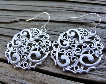 Silver Mod Paisley Earrings - mother, gift, sister, daughter, wife, birthday, friend, graduation, career, evening