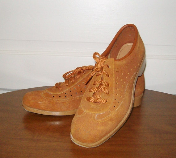 Vintage Brunswick Whiskey Bowling Shoes 8 By LucillesAttic