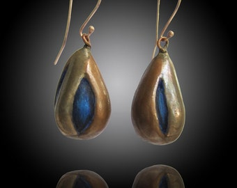 Bronze and Copper blue drops