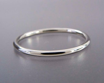 Thin Platinum Wedding Band - 1.3mm Wide Stacking Ring - Choice of hammered, matte or polished finish
