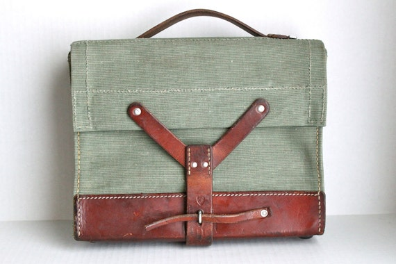 vintage Swiss Army green canvas bag // iPad - Kindle - Lunch Tote  // handbag