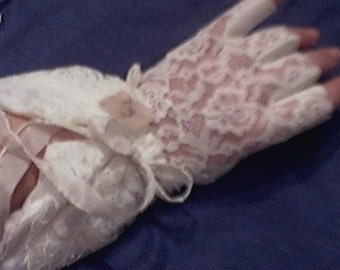 Armwarmers fingerless gloves Tattered Lace Wristlets-Victorian-Steampunk