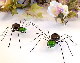Green and Black Spiders Two Copper Wire Spiders Home Decor Ornaments Gifts for Teenagers Nature Lovers Gardeners Arachnids for Him Her