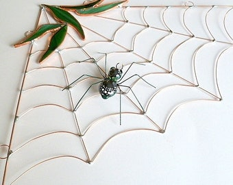 Stained Glass Corner Spider Web Forest Green Spider Wire Art Spider Sun Catcher Gift for Bug Lovers Gardeners Nature Lovers Window Decor