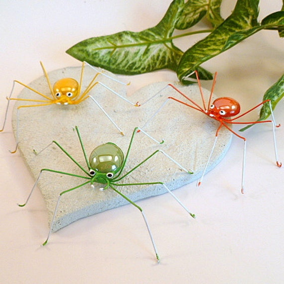 Large Green Yellow Orange Spider Gift for Bug Lover Gift of Nature Trendy Birthday Gift for Him Her Arachnid Cutie Pet Spider Wire Bug