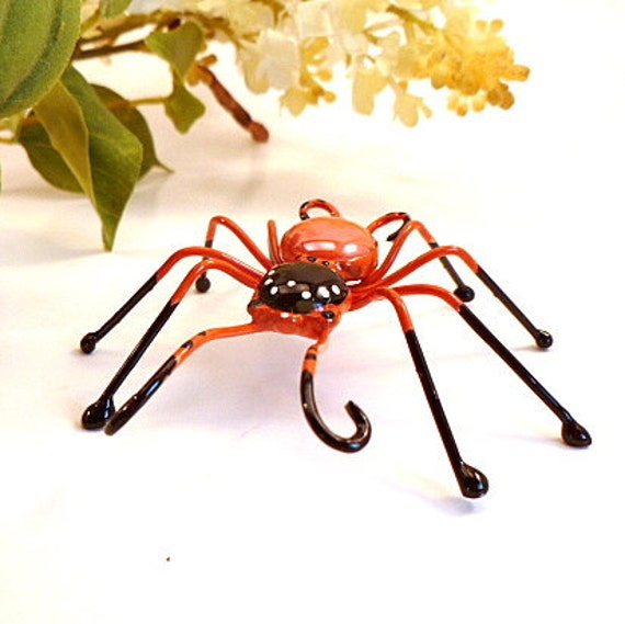 Large Orange Spider Perfect for Entomologists and Bug Lovers Wire Art  For Him Nature Lover Gift Trendy Favorite for Spider Lovers Creepy