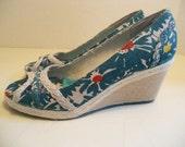 80s peep toe espadrilles - wedge platforms - high heels - tropical floral detailing - KEDS