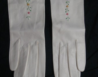 Vintage Floral Embroidered White Leather Kid Gloves Sz 6-3/4