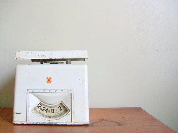 reduced clearance - shabby chic white industrial detecto kitchen scale - diner - baking supplies - rust - 1950s