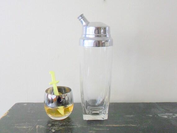 vintage rare art deco style glass cocktail shaker, derby silver co, simple, retro barware, 1930s