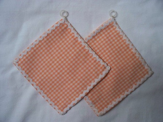CLOSING so MAKE OFFER Retro Kitchen Hot Pads, 1970s, 70s in Mod Orange Checks, Gingham and White Ric Rac, Kitsch