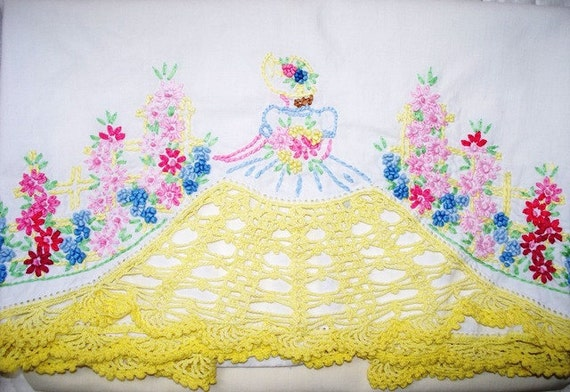 Vintage Southern Belle Pillowcases, Dresser Scarf, Hand Embroidery, Crochet, Cottage Chic, 1940s, 40s, Yellow, Colonial Girl, Aunt Martha, V