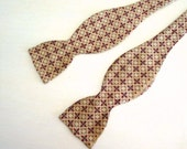 vintage 1940s RED SQUARES adjustable bow tie
