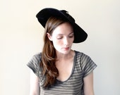 vintage 1940s hat - 40s BLACK BOW wool tilt hat