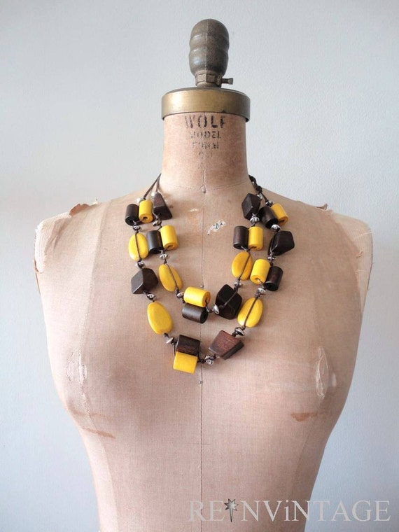 vintage MUSTARD SEED beaded necklace