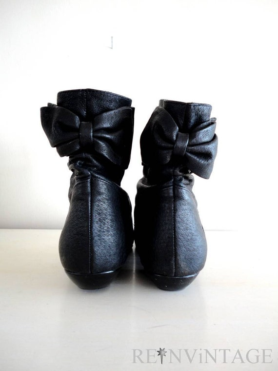vintage ankle boots : 1980s HUGHES BOW black