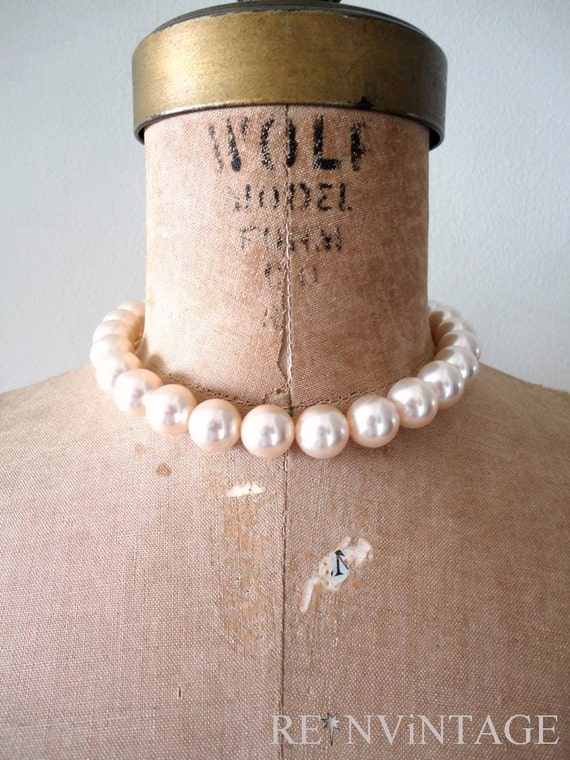 vintage iVORY PEARL ribbon necklace