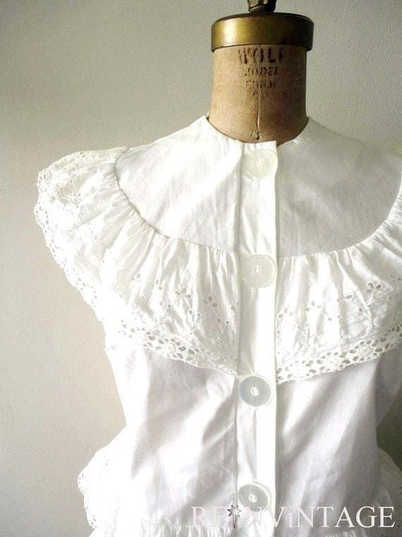 vintage 1950s SNOW WHiTE eyelet blouse