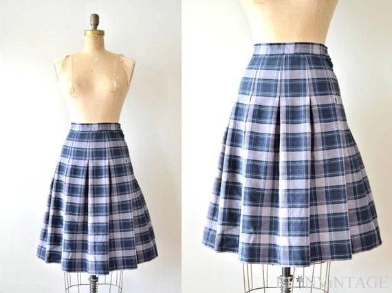 vintage pleated skirt : CATHOLiC SCHOOLGiRL navy plaid