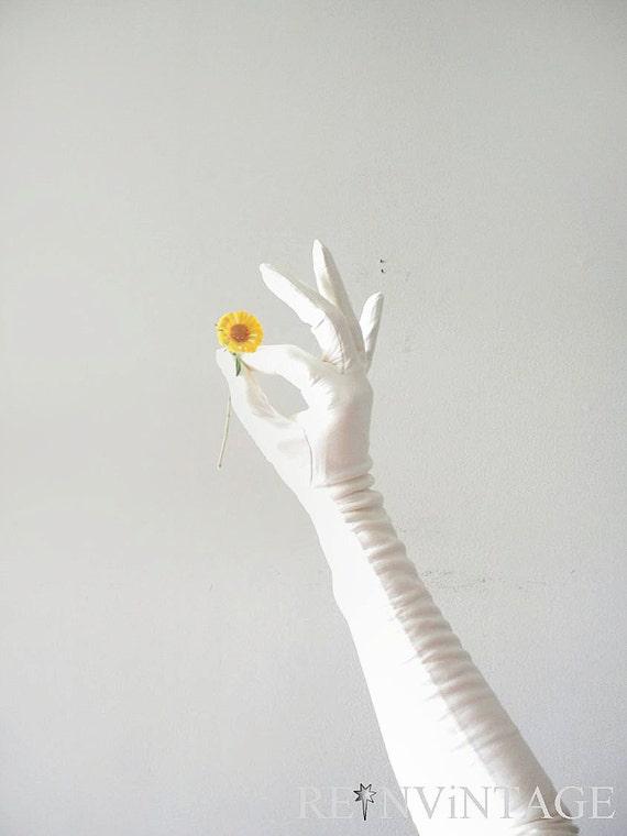 vintage gloves - 1960s long leather gloves / snow white