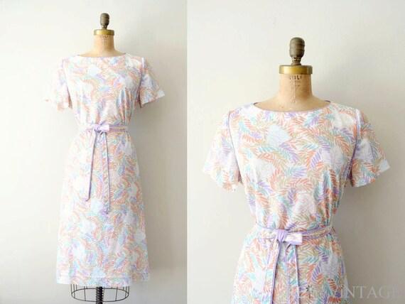 vintage 1960s dress : 60s shift dress / lavender pastel floral
