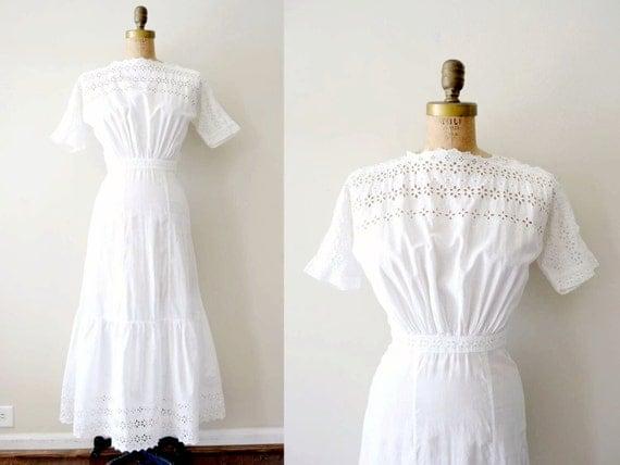 vintage edwardian dress: 1900s tea dress / white cotton eyelet