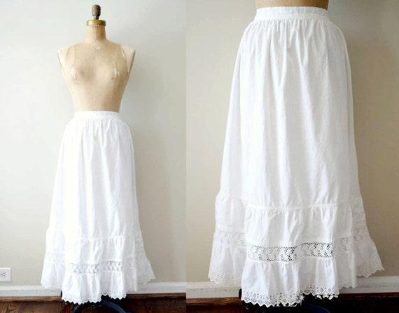 vintage cotton slip : 1900s EYELET skirt / ivory cotton lace slip - size L/XL