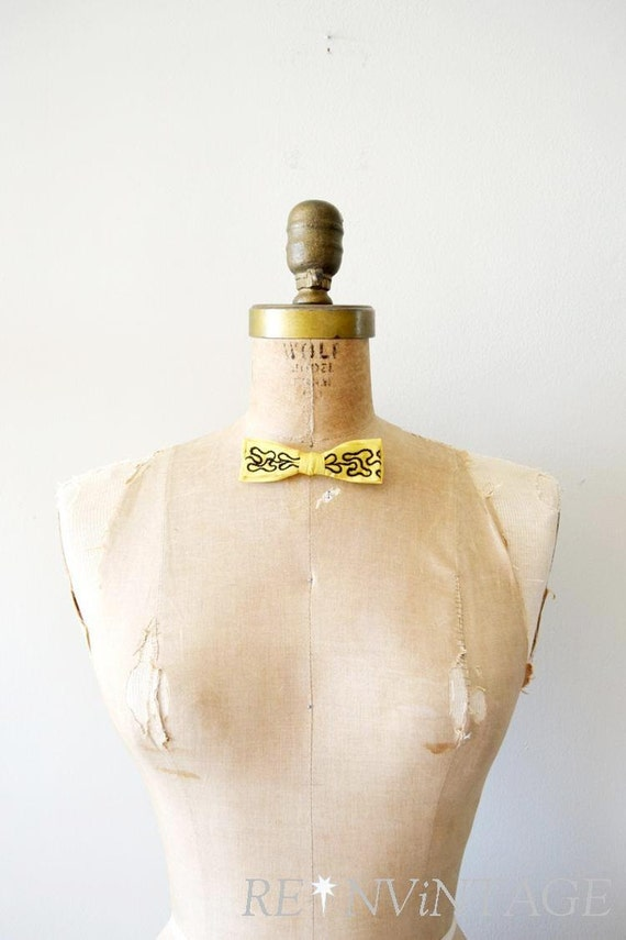 vintage bow tie - 1950s yellow squiggle / 50s clip on bow tie