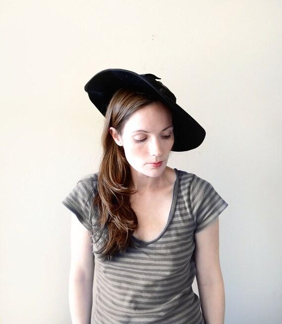 vintage 1940s hat - 40s BLACK BOW wool tilt hat