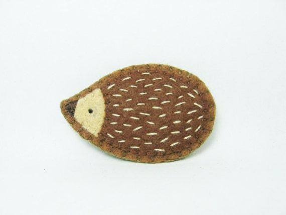 Hedgehog Brooch / Friendly Felt Hedgehog Pin / Tiny Hedgehog / Cute Animal Brooch / Woodland Animal Pin / Hedgehog Accessory - small size