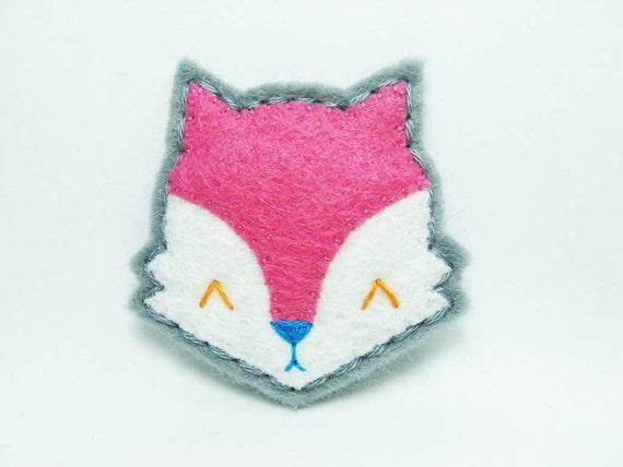 SALE Pink moody fox felt brooch - tiny size