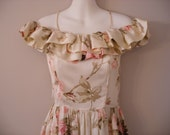 Beautiful Cream Colored Floral Vintage Dress Perfect For Party Event Wedding Or Photoshoot