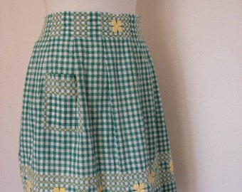 1950s/60s Green And White Gingham Apron With Yellow Detailing