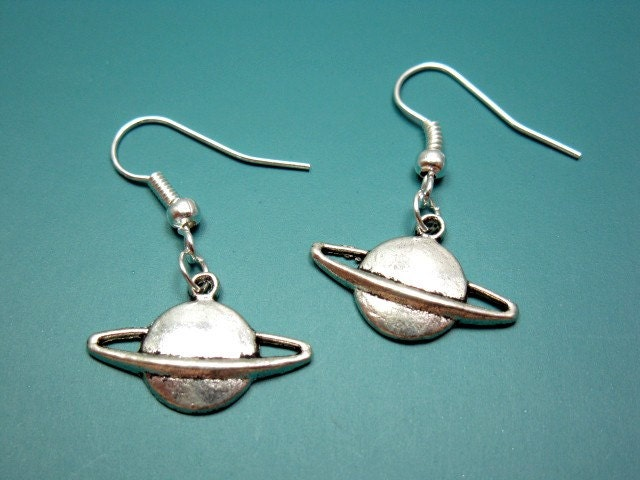 planet saturn earring - photo #1