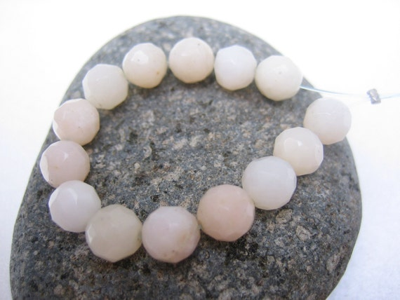 SALE - Pink Peruvian Opal faceted Round beads x14