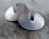 Mod Pods/Oyster - Modern Graphic Silver Disc Earrings