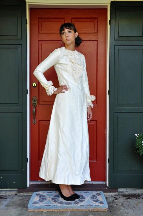 SALE Amazing Simply Elegant 1950s Mod Ivory Wedding Dress Gown WAS 100.00