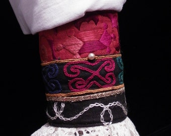 Cuff Red and Black Gypsy Peace Lace Cuff Pearl Afghan Chinese Embroidery Boho Hippie Gypsy Fabric Bracelet